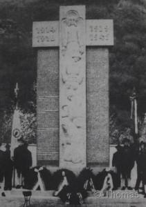 Niederlana Denkmal